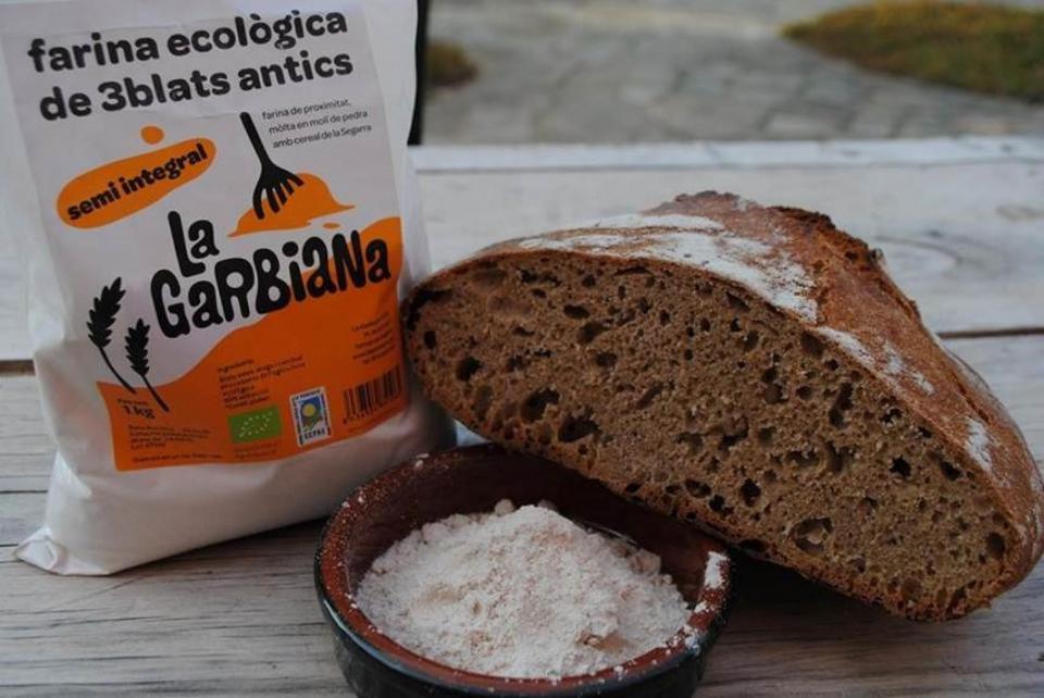 les farines ecológiques d'alta qualitat són un dels productes de la Garbiana -