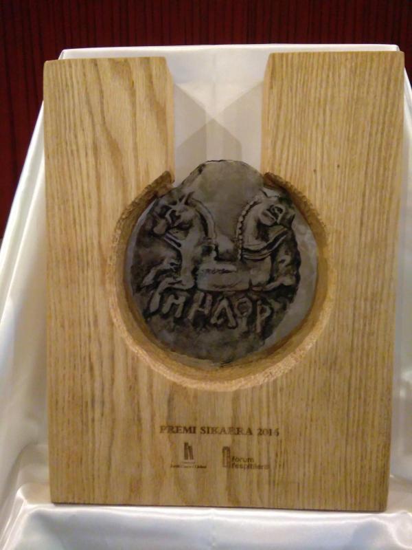 Trofeu del premi Sikarra, l''esgurd alliberat', d'Anna Marín-Garde - Cervera