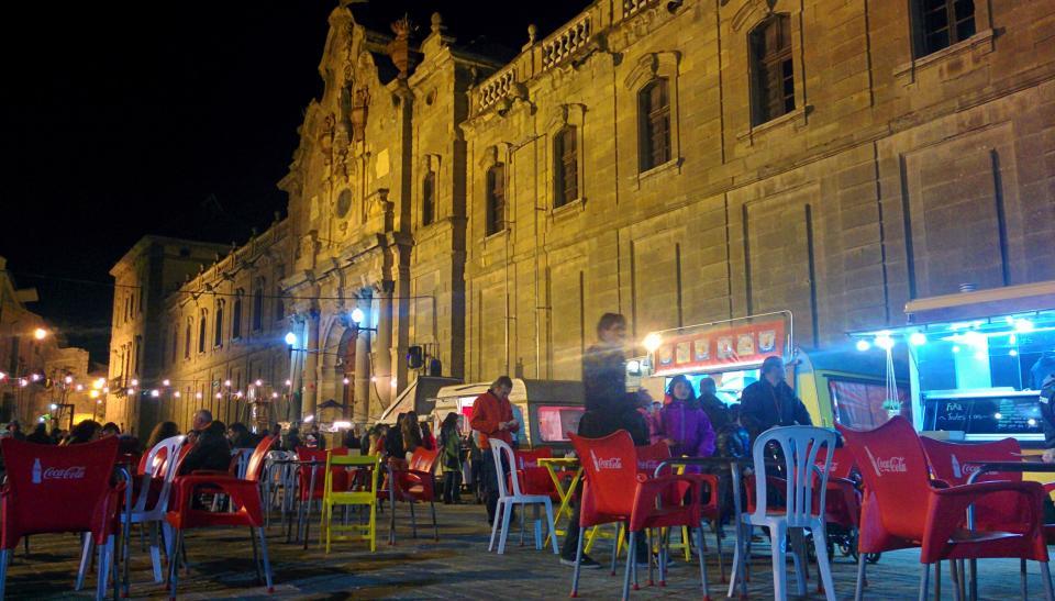 30.04.2016 Plaça Universitat  Cervera -  Ramon Sunyer
