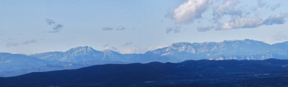 30.04.2016 vista del Pirineu amb el Pedraforca  La Guàrdia Pilosa -  Ramon Sunyer