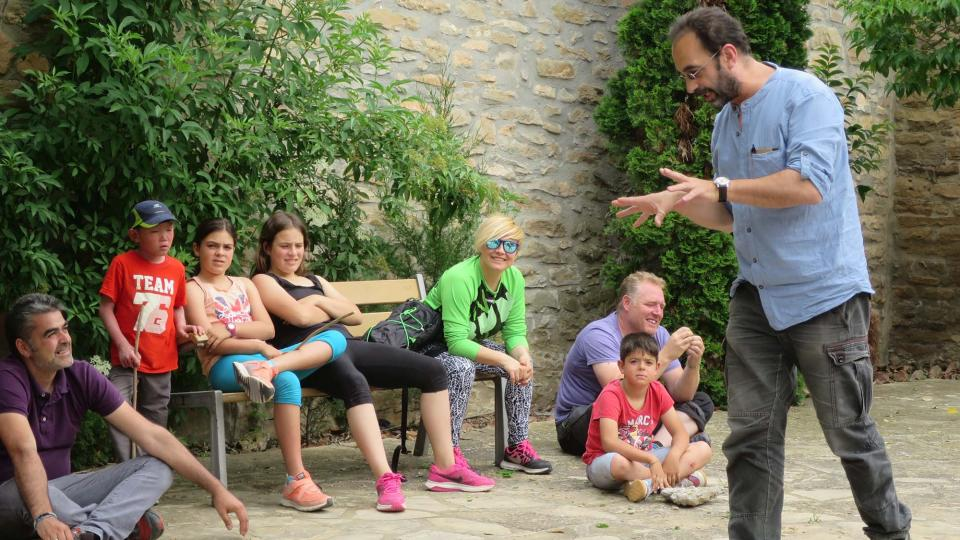 """04.06.2016  sessió del """"Temps de contes, mes a mes""""  Selvanera -  Aj TiF"""