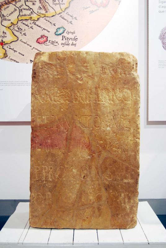 03.07.2016 làpida romana  Igualada -  Ramon Sunyer