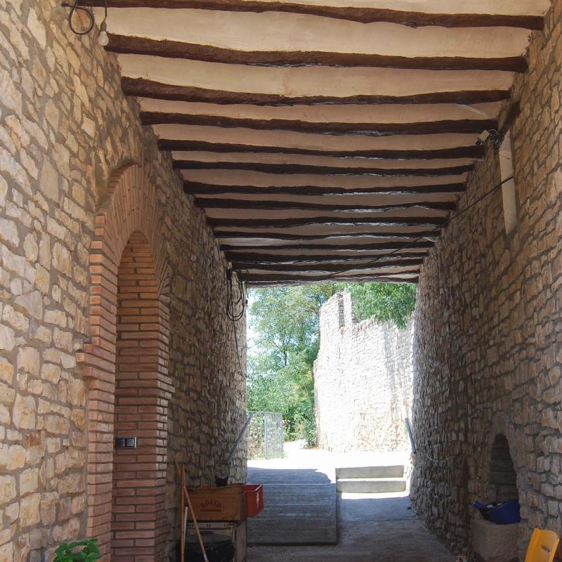 10.07.2016 pas cobert  El Castell de Santa Maria -  Ramon Sunyer