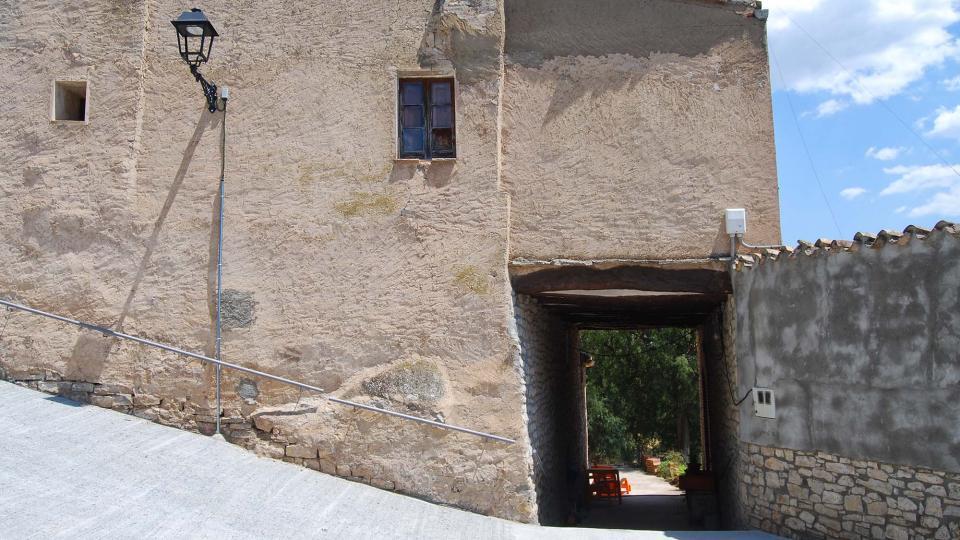 10.07.2016 portal  El Castell de Santa Maria -  Ramon Sunyer
