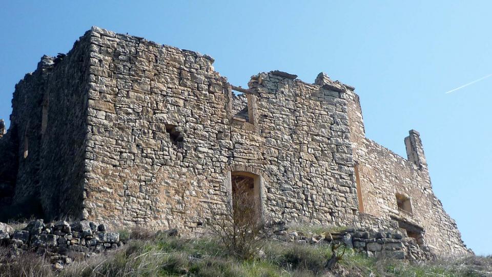 Edificio  Cal Tenella - Autor Isidre Blanc (2004)