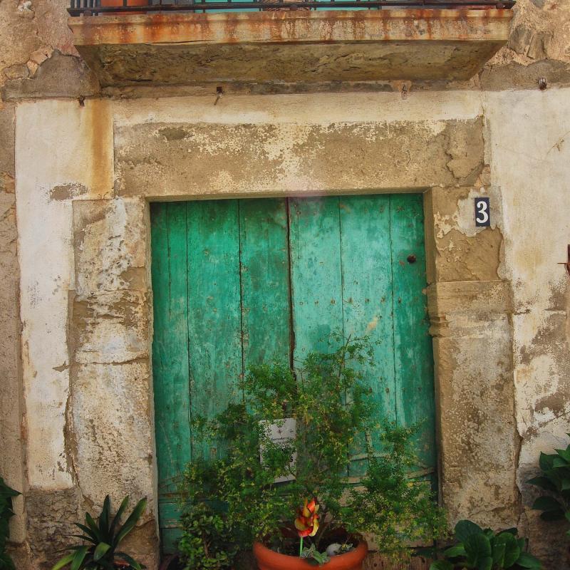 17.07.2016 detall porta  Tarroja de Segarra -  Ramon Sunyer