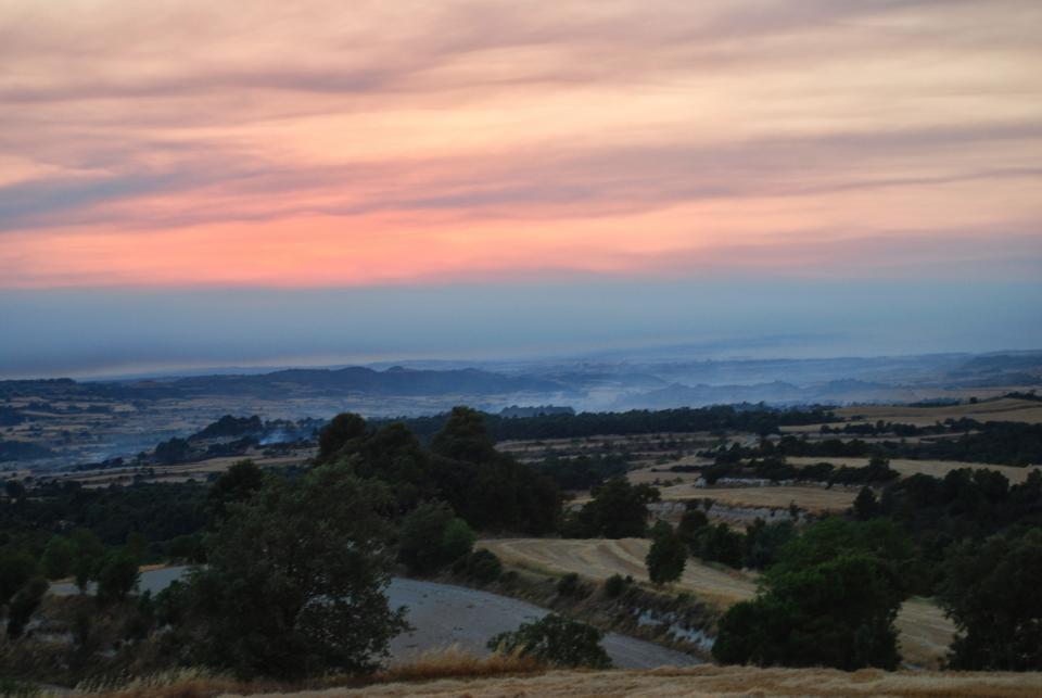 El fum omple la vall de l'Ondara