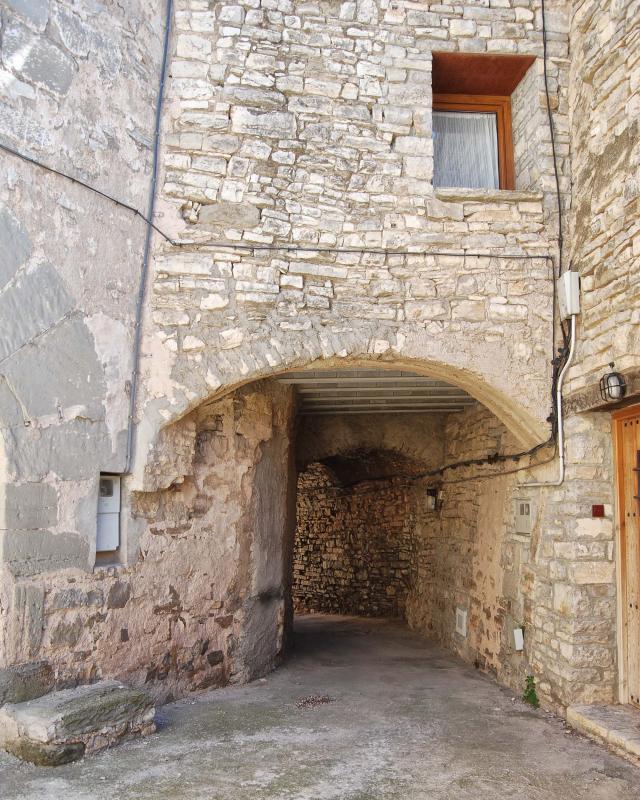 Vieille ville  Portals i carrers - Auteur Ramon Sunyer (2016)