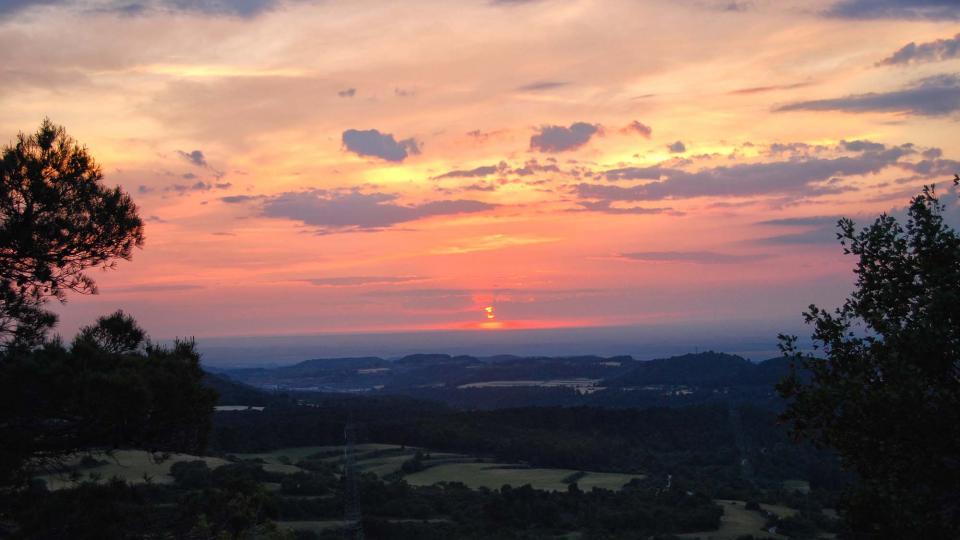 30.05.2015 posta de Sol des del tallat  Rocallaura -  Ramon Sunyer