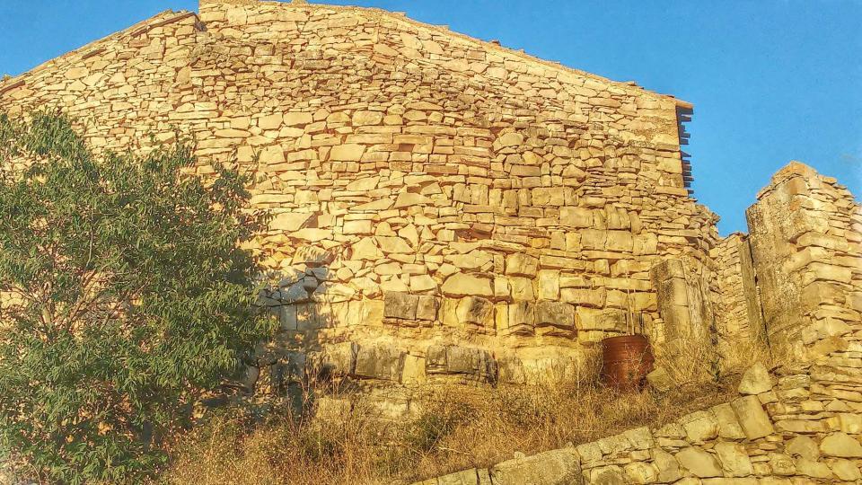 26.08.2014 vista exterior vila-closa  El Mas de Bondia -  Ramon Sunyer