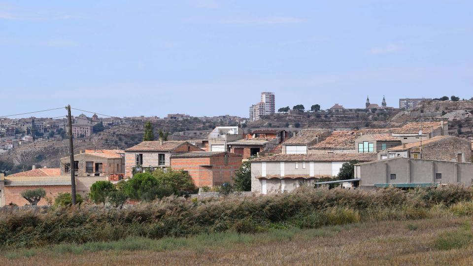 09.10.2016 vista del poble, Cervera al fons  Vergós -  Ramon Sunyer