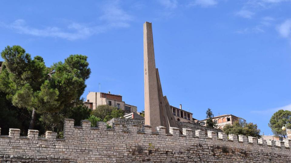 09.10.2016 muralles i monument a la Generalitat  Cervera -  Ramon Sunyer