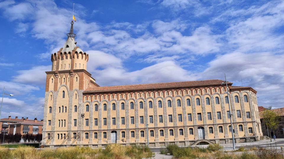 Farinera del Sindicat Agrícola de Cervera, edifici modernista construït per Cèsar Martinell