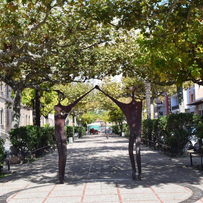 23.10.2016 monument a la sardana  Cervera -  Ramon Sunyer