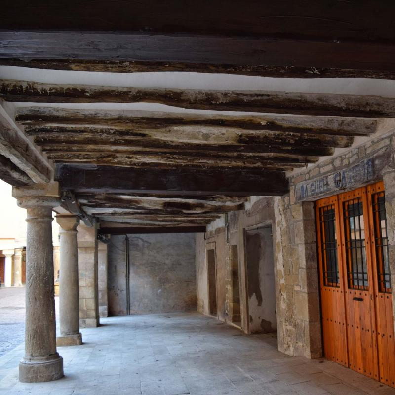 30.10.2016 plaça de l'església  Santa Coloma de Queralt -  Ramon Sunyer