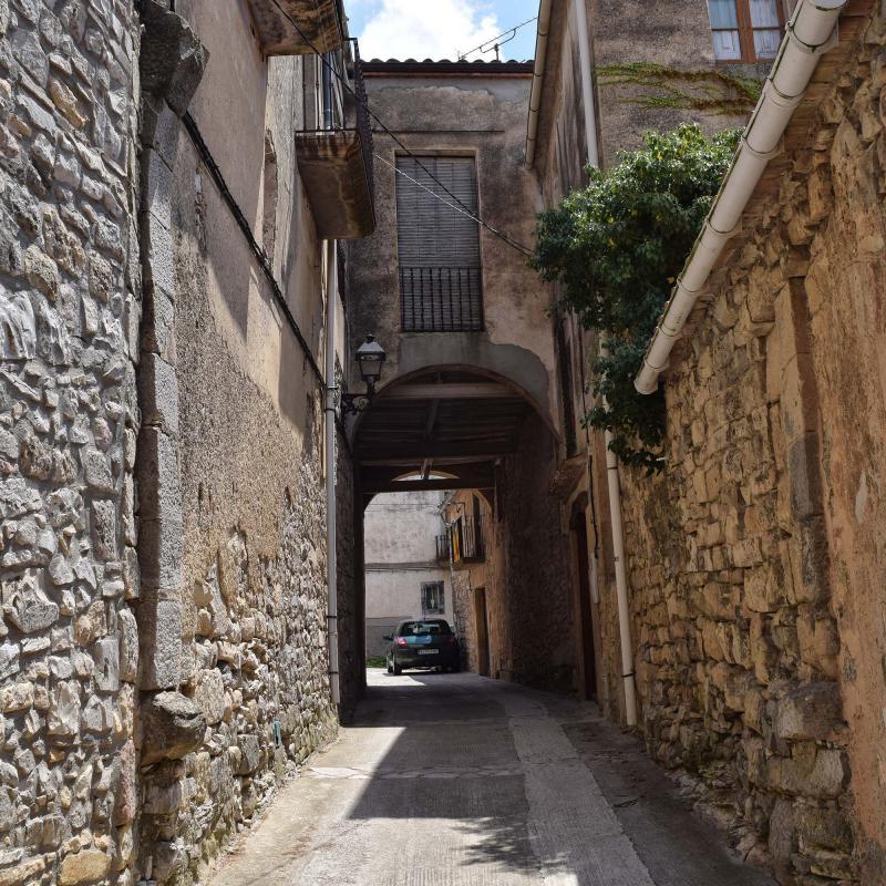 16.07.2017 Antiga entrada del castell  Belltall -  Ramon Sunyer