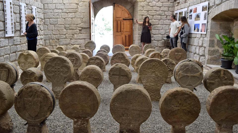 esteles funeràries de Sanaüja