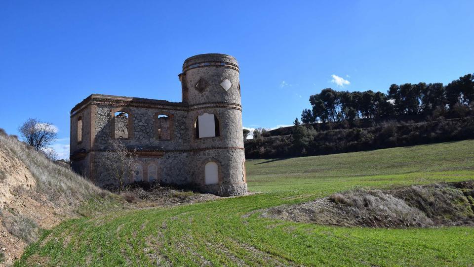 Industrial  Torre de les aigües o dels francesos - Author Ramon Sunyer (2018)