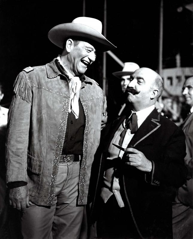 John Wayne i Claudi Gómez Grau al rodatge d'El fabulós món del circ -