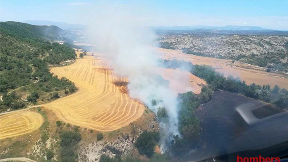 Controlat l'incendi agrícola de Talteüll
