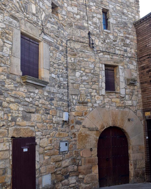 Castle of Cal Mosenya - Author Ramon Sunyer (2018)