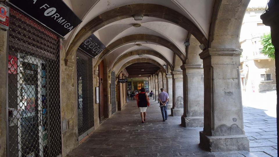 09.09.2018 Porxos de la plaça Major  Guissona -  Ramon Sunyer