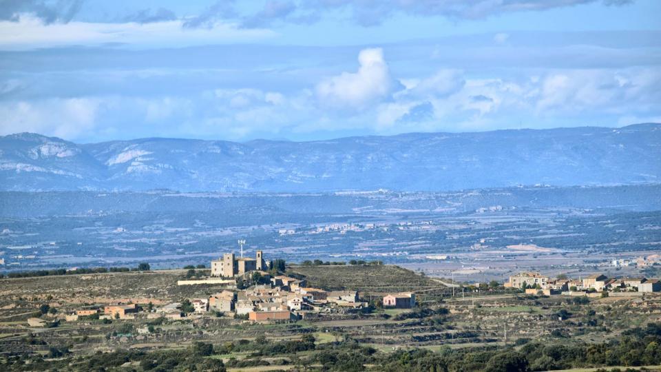 19.11.2018 vista del poble  La Curullada -  Ramon Sunyer