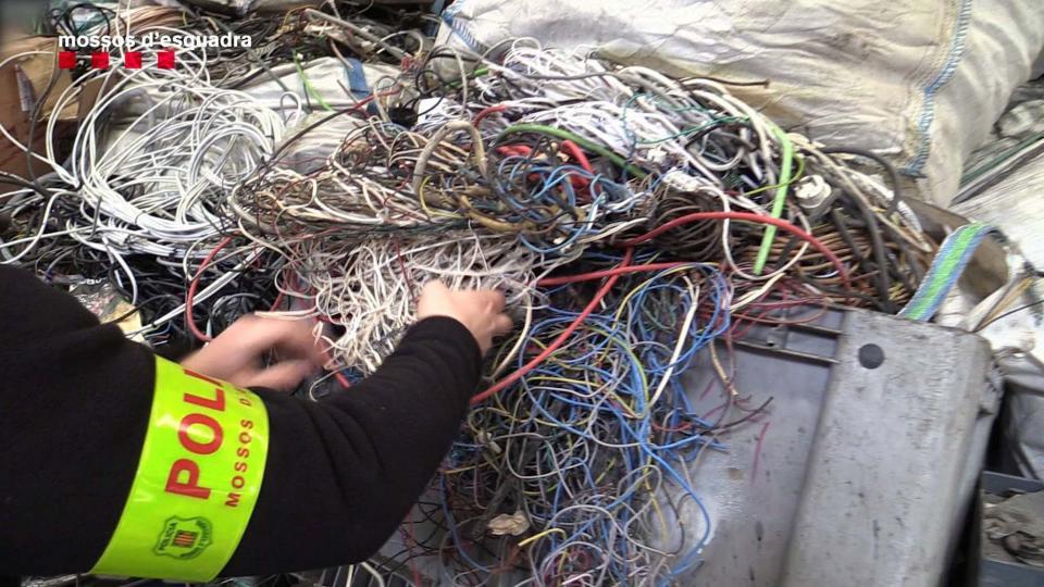 Sis detinguts per sostreure cablejat telefònic de zones rurals