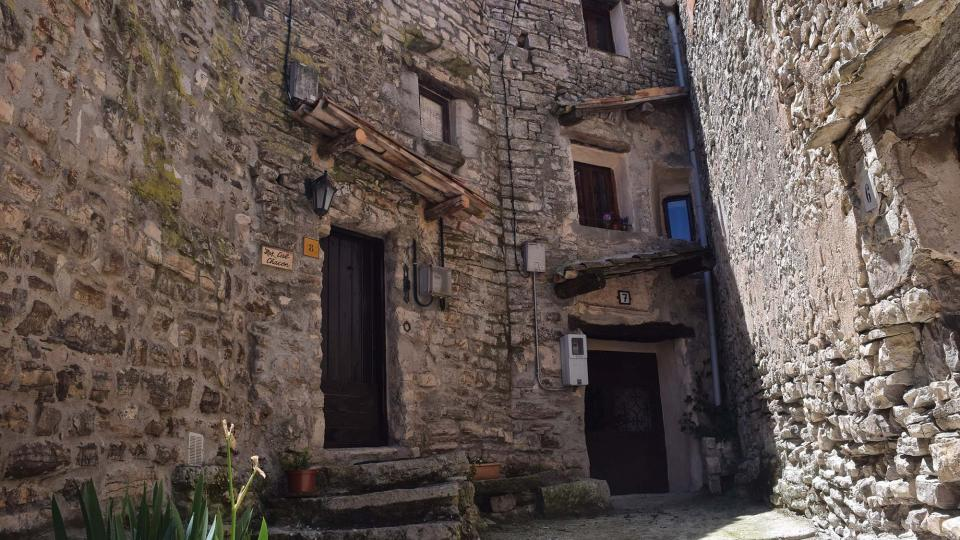 Vila vella  Portals i carrers - Autor Ramon Sunyer (2019)