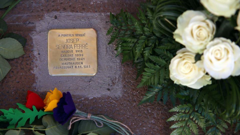 llamborda dedicada a Josep Sendra Ferré - Pontils