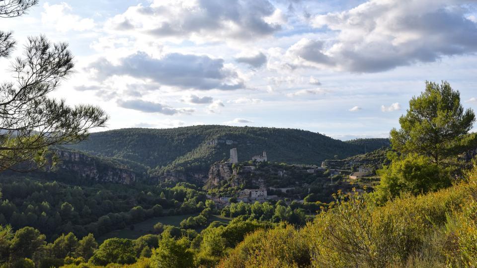 11.09.2019 Vista del poble  Santa Perpètua de Gaià -  Ramon Sunyer