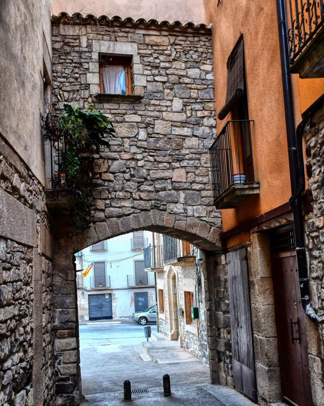 07.03.2020 Portal de la plaça Major, conegut també com a portal de Guimerà  Verdú -  Ramon Sunyer