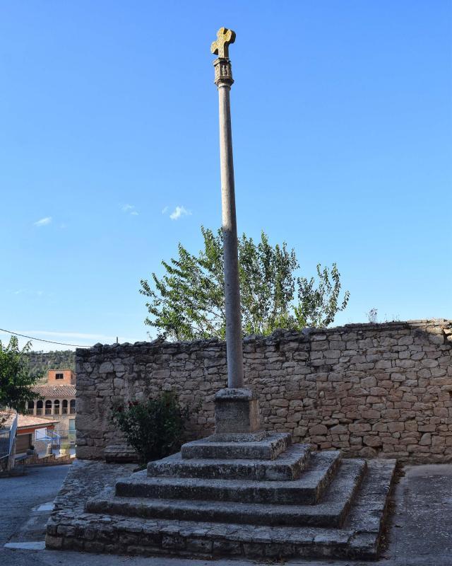 Wayside cross of Llorenç de Rocafort - Author Ramon Sunyer (2019)