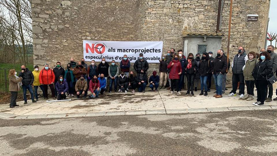 La Segarra es mobilitza contra 'l'allau i massificació' de centrals eòliques i solars al territori