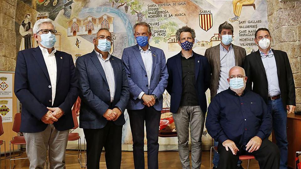 Presidents dels set Consells Comarcals en la trobada a Montblanc contra de la massificació de projectes d'energies renovables.
