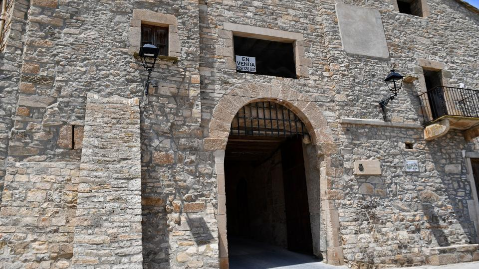 04.07.2021 portal d'entrada  El Mas de Bondia -  Ramon Sunyer