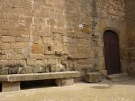 Sedó: 'M'assec al pedrís de l'església. És un racó tranquil, com un refugi gairebé fortificat, que és la sensació que dóna la pedra de l'església, i les parets, també de pedra, de les cases properes'  Giliet de Florejacs
