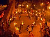 Cervera: Els estels i les torxes il•luminen Cervera en la vigília de la Diada  Anc-Segarra