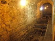 Guissona: necròpolis de Santa Maria  amb  enterraments corresponents des del Baix Imperi romà fins els canonges de Santa Maria  Camins de Sikarra