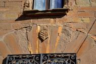l'Aranyó: Castell de l'Aranyó detall de la porta.  Àngela Llop