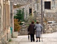 Segura: Les padrines van a Missa  Bea Pérez