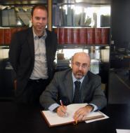 Guissona: El director dels serveis territorials de Salut a Lleida, Sr. Pifarré, i l'alcalde, Sr. Xavier Casoliva  Ajuntament de Guissona