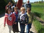 Alta-riba: Els nens d'Alta-riba contents retornen al poble la seva relíquia  AACSMA