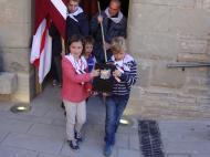 Alta-riba: Moment en què la relíquia de Sant Jordi d'Alta-riba surt de l'església de Sant Pere per retornar definitivament a l'església de Sant Jordi d'Alta-riba  AACSMA