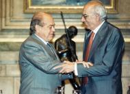 Josep Benet reb la Medalla d'Or de la Generalitat de Catalunya