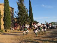 Guissona: Els Bastoners de Sedó a la diada de Sant Pere a l'entorn de l'Ermita de Sant Pere dels Pastors  Premsa Guissona