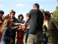 Riber: Dia Mundial de les Aus, alliberant un aligot  Ajuntament TiF