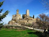 Lloberola: Vista del castell i la torre  Isidre Blanc