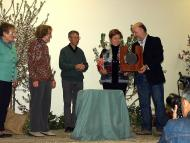Tarroja de Segarra: Càritas rep el Premi de mans de Xavier Rivera, president de la Fundació Jordi Cases  Jaume Moya