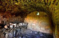 Els Plans de Sió: Interior de cabana de volta  Àngela Llop